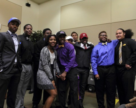 11 TEXANS PLEDGE THEIR COMMITMENT ON NATIONAL SIGNING DAY