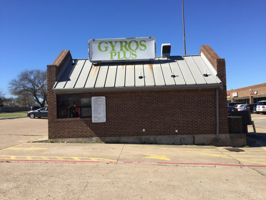 Gyros, a popular student restaurant, closed Feb. 28. Photo by junior Andrew Mitchell.