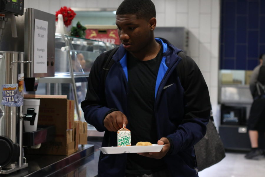 NEW CAFETERIA DRAWS MIXED REACTIONS