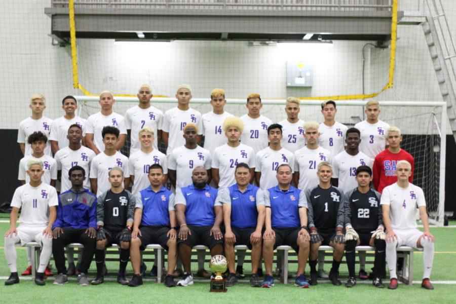 Varsity boys soccer team, 2017-18.